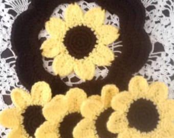 Daisy Trivet and Coaster Set