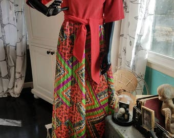 1970's Evelyn Pearson lounge dress with psychedelic quilted shirt