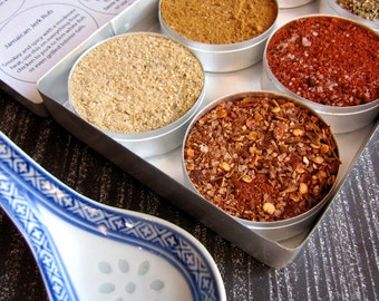 gourmet BBQ rubs kit for chicken and pork - gift set of 6 - a great gift set for him