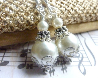 Bridesmaids earrings ivory white pearl earrings silver and ivory dangle drops