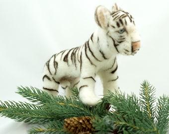 Needle Felted Sculpture Soft Sculpture Animal White Tiger Wool Sculpture