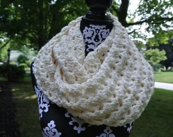 Chunky Crochet Infinity Scarf; Oversized Cowl; Women's Winter Scarf; PATTERN - PDF Instant Download
