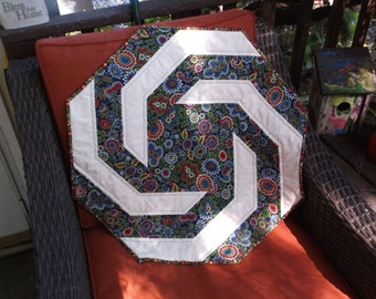 Octagonal spiral table topper quilted floral octagon