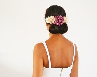 Peigne à cheveux mariage bohème fleurs beige pourpre, accessoire cheveux mariage fleurs demoiselle d'honneur