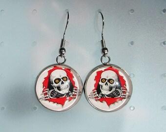 skull earrings, skull
