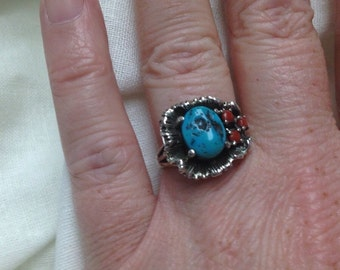 Floral Design Vintage Silver Turquoise and Coral Ring