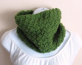 Summer Grasslands Cowl.  Women Accessories Crochet Scarf