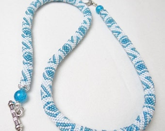 Handmade crocheted knitted beaded necklace white/ blue