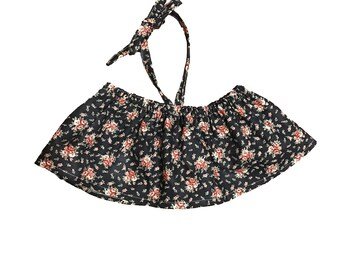 2t navy floral crop top