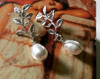 Leafy Vine Earrings, Grecian Style Earrings, Bridesmaid Earrings, Brushed Silver Stud Drop Earrings, Silver Branch Earring
