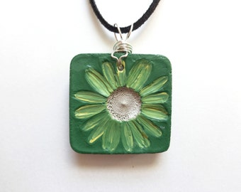 Concrete necklace - Real daisy necklace - Real flower necklace - Concrete art - Concrete flower - Concrete pendant - Concrete jewelry