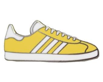 Sneakers 13 Hard Enamel Pin