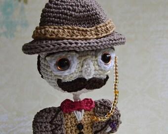 Monsieur Hercule Poirot - crochet pattern
