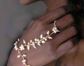 Vine bridal jewelry, Bridal bracelet pearl, Bracelet ring combo, Finger bracelet, Wedding bracelet, Bracelet ring, White bridal jewelry,