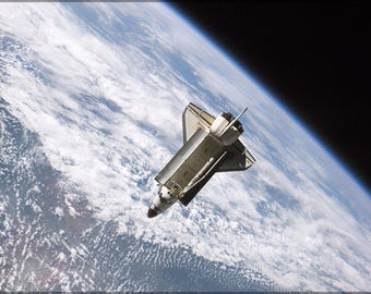 Poster, Many Sizes Available; Space Shuttle Atlantis In Orbit Sts-115