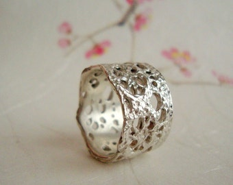 In stock-SALE-Dalia Lace ring in sterling silver- size 6 only