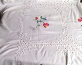 Vintage White Cotton / Floral Embroidery Tablecloth,  Bedspread, Throw / 1950s Vintage Home Decor