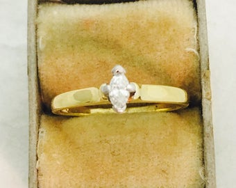Vintage 18K Yellow Gold Marquise Cut Diamond Solitaire Ring - Size 6.5 - 2.1 Grams