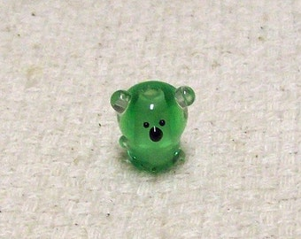 SALE  - Green Glass Koala Bear Beads - 14 mm