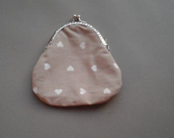 Pretty little purse with vintage style clasp