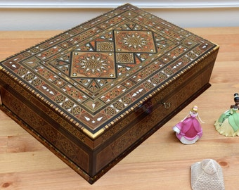Wooden Jewelry Box, Jewelry Storage, Wood Box, Inlaid Wooden Box, Jewelry Box, Wood Inlay Art, Syrian Mosaic, Marquetry wood, Wooden Decor