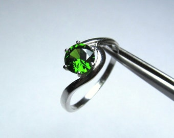 CLEARANCE  Royal Emerald Green CZ Round in Sterling Silver Ring