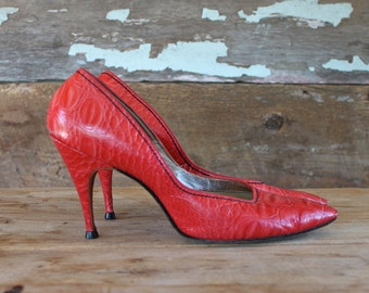 chaussures à talon rouge des années 1960 par Henry Waters | taille 9 | des années 60 des talons hauts