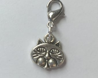 Cat charm...free shipping!  This charm is ready to add to your bracelet!