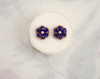 SAPPHIRE BLUE STUDS / blue bridesmaid jewelry / blue sapphire earrings / september birthstone jewelry