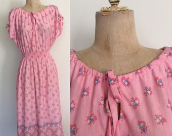 1970's Pink Cotton Poly Floral Print Dress Size XS Small by Maeberry Vintage