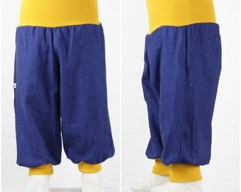 Wax trousers made of linen