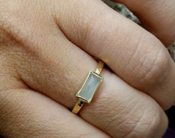 SALE! Mint chalcedony ring,tiny ring,slim hammered band,gold gemstone ring, bezel ring,rectangle ring,baget cut ring,light green ring