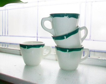 4 Vintage Restaurant Ware Coffee Cups Syracuse China Wintergreen Pattern Green Border