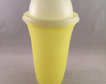 Tupperware Quick Shake Vintage, Gravy Base 3 Piece Shaker