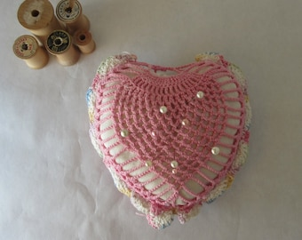 Vintage Pin Cushion / Pink Crocheted Heart / Mid Century Sewing Collectible