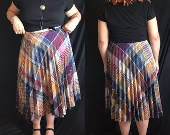 Vintage PLUS SIZE 1970s Plaid Pleated Midi Skirt (Size 12/14)