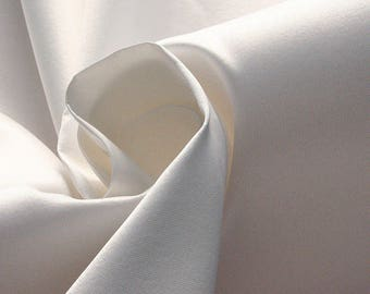 272002-Mikado de Seda natural 100%, 135/140 cm wide, made in Italy, dry cleaning, weight 190 gr, price 1 meter: 132.37 Euros