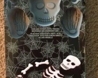 CELEBRATE IT Silicone Halloween Treat Mold SKELETON
