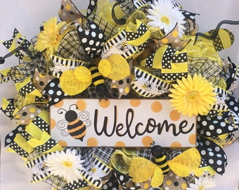 Welcome bumble bee, summertime, yellow, black, daisy, ribbon