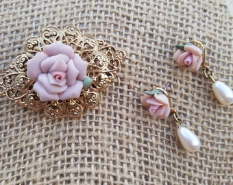 Vintage Pink porcelain and goldtone floral Brooch and earring set, so beautiful, great condition