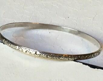 SALE ~ Vintage Sterling Silver Floral Bangle. Bangle Bracelet. Sterling Silver Bracelet. Art Deco Bracelet. Floral Leaf Design Bracelet