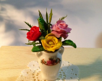 Dollhouse Miniatures - Roses in the Vase