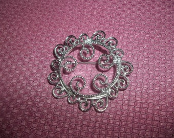 """Gorgeous 1960s Sarah Coventry """"Silvery Mist"""" Silver-Toned Brooch"""
