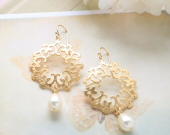 Swarovski Cream White Teardrop Pearl Gold Filigree Earrings, Gold Wedding Earrings, Bridal Earrings, Bridesmaid Gift, Boho, Moroccan