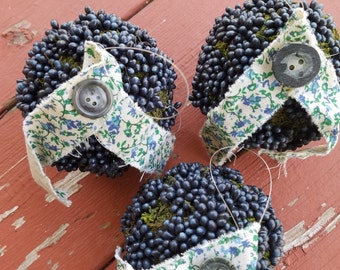 Moss and berry shabby chic bowl fillers/ornaments