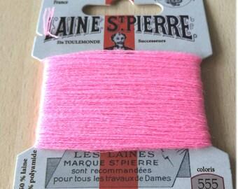 St. Pierre 555 Laurel yarn pink