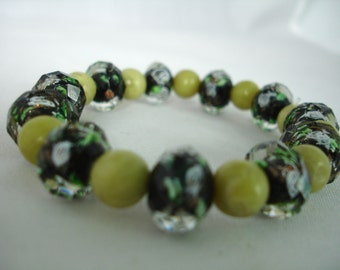 Glass Bead  Bracelet- Black & Green-  Facetted Glass Beads - Acrylic  Beads - Elastic - Gift Idea -  Summer Bracelet