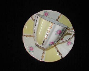 Bone China 22 KT Gold Teacup and Saucer with Sunshine Yellow Stripes and Pink Roses, Made in England