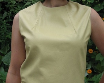 Vintage leather top 1960s sleeveless butter tan color Size M excellent