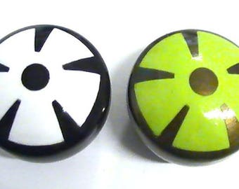 CABINET KNOBS Hardware Dresser Drawer Knobs/Pulls 1.50 in. Round Fan Wheel Flower Black/White I Bronze/Chartreuse